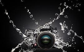 Preview wallpaper Pentax camera, water splash