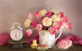 Розовые цветы, тюльпаны, конфеты, пирожные, часы