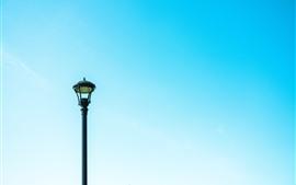 Feu de route, ciel bleu