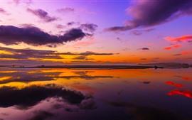Aperçu fond d'écran Coucher de soleil, rivière, nuages, réflexion de l'eau