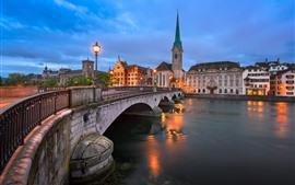 Suiza, Zurich, puente, río, luces, ciudad, atardecer