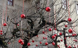 Preview wallpaper Tree, many red balls decoration, holiday