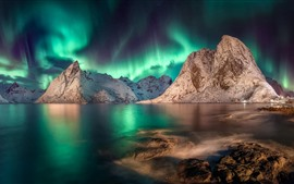 Preview wallpaper Beautiful northern lights, mountains, sea, night, Iceland