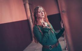 Garota de cabelo castanho, elfo