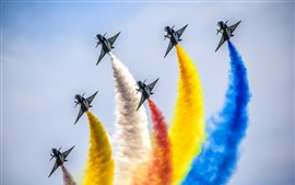 Preview wallpaper Chengdu J-10 fighters, air show, colorful smoke