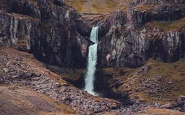 Penhasco, rochas, cachoeira
