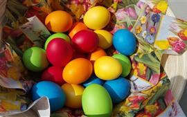 Ovos de Páscoa coloridos, pano, cores