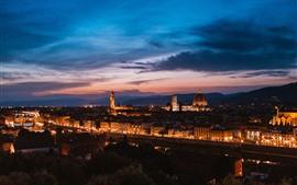Флоренция, Италия, город ночью, дома, огни