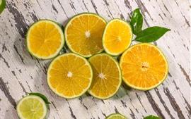 Fatias de limão verde