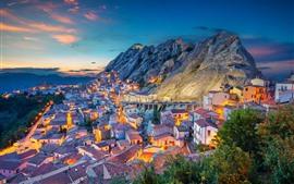 Italia, Basilicata, ciudad, casas, montañas, tarde