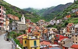 壁紙のプレビュー イタリア、リオマッジョーレ、家、高さ、山々