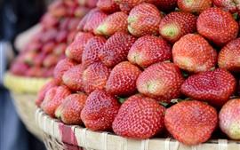 Aperçu fond d'écran Beaucoup de fraises, panier