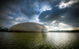 Национальный центр исполнительских видов искусства, озеро, облака, Китай, Пекин