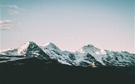 Снежные горы, небо