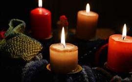 Algumas velas, chama, fogo, iluminação