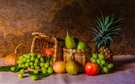 Некоторые фрукты, виноград, яблоки, ананас, груши