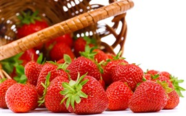 Preview wallpaper Strawberries, basket, white background