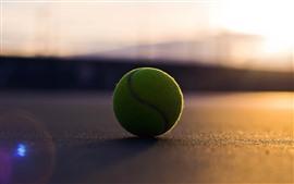 Bola de tênis, sol, sombra