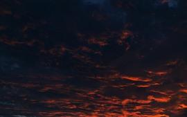 Nuvens grossas, pôr do sol