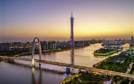Красивый Гуанчжоу, кантонская башня, мост, река, небоскребы, огни, сумерки