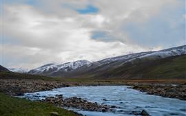 Belo Tibete, montanhas, riacho, pedras, nuvens