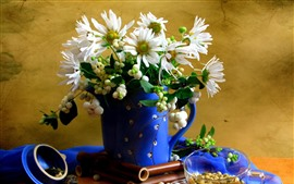 Preview wallpaper Chamomile, white petals, blue vase
