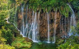 Aperçu fond d'écran Croatie, parc national des lacs de Plitvice, belle cascade