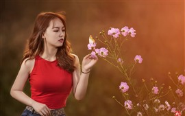 女孩和花,卷发,蝴蝶