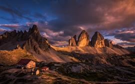 Itália, Dolomites, montanhas, casas, nuvens, Crepúsculo