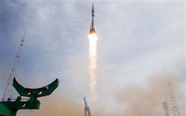 Aperçu fond d'écran Kazakhstan, Baïkonour, lancements de fusées