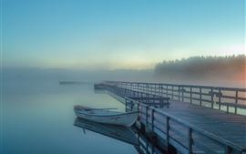 Озеро, лодка, пирс, забор, туман, утро