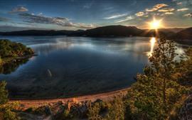 Lago, montanhas, árvores, nascer do sol