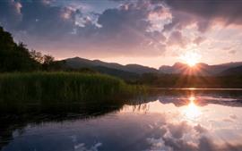 Manhã, nascer do sol, lago, nuvens, grama, montanhas
