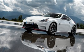 Nissan 370Z white car, water