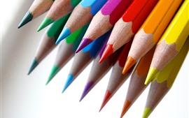 Aperçu fond d'écran Quelques crayons colorés