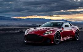 Aston Martin DBS красный суперкар