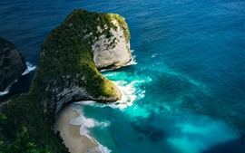 Hermosa naturaleza paisaje, mar azul, playa, nubes, Nusa Penida.