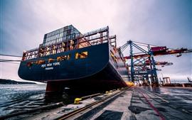 Contenedores de carga, barco, muelle