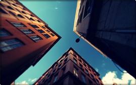 Город, здания, небо, вид снизу