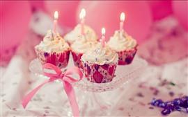 Cupcakes, velas, regalo, cumpleaños