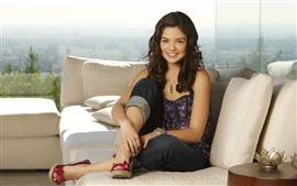 Preview wallpaper Danielle Campbell 01