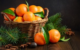 Свежие мандарины, фрукты, корзина