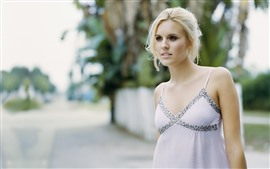 Preview wallpaper Maggie Grace 05