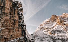 Montañas, acantilado, nieve