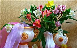 壁紙のプレビュー ピンクと白のユリ、花瓶、花