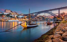 壁紙のプレビュー ポルトガル、ポルト、都市、川、ボート、橋、ライト、夕暮れ