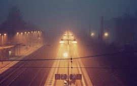 Aperçu fond d'écran Station de train, nuit, éclairage, brouillard