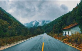 Дорога, горы, дом, туман, осень