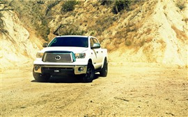 Preview wallpaper Toyota Tundra white car front view