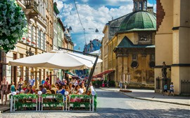 Preview wallpaper Ukraine, street, cafe, people